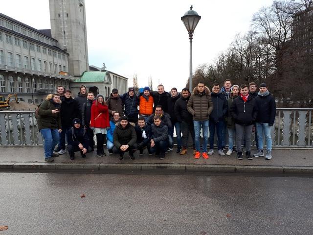 FOS 12 Technik auf Klassenfahrt in München
