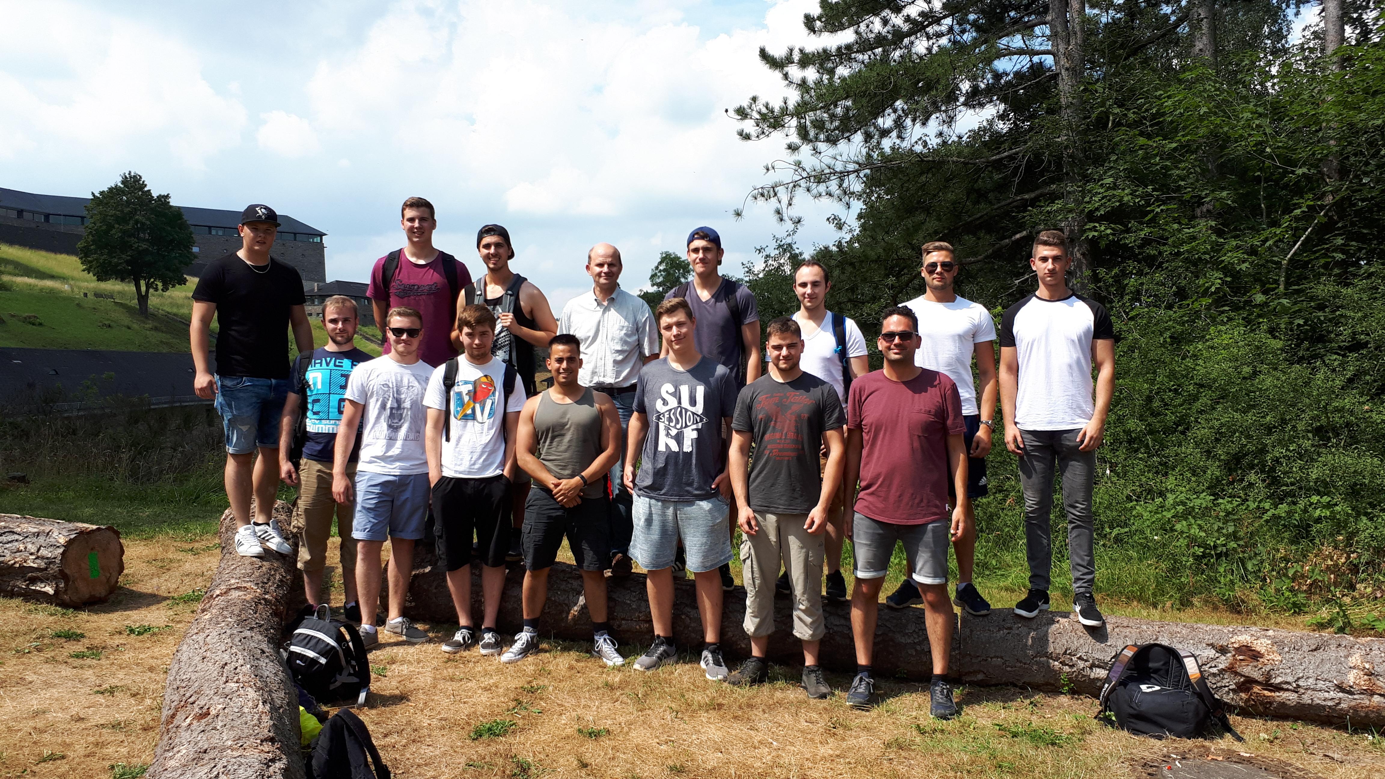 Exkursion zur Burg Vogelsang der Mechatroniker-Mittelstufe