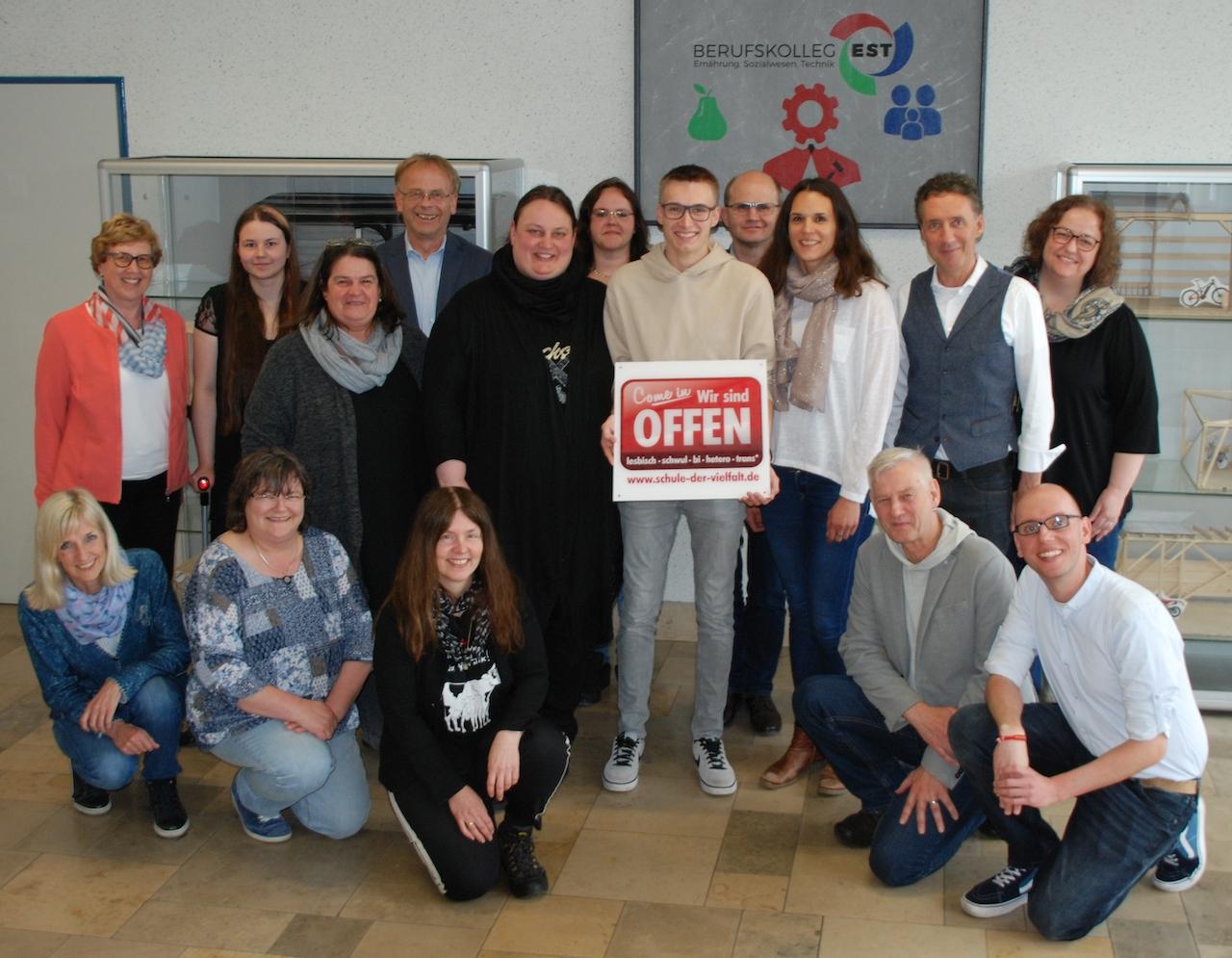 Schule der Vielfalt: Ein Antidiskriminierungsprojekt am Berufskolleg Ernährung - Sozialwesen - Technik